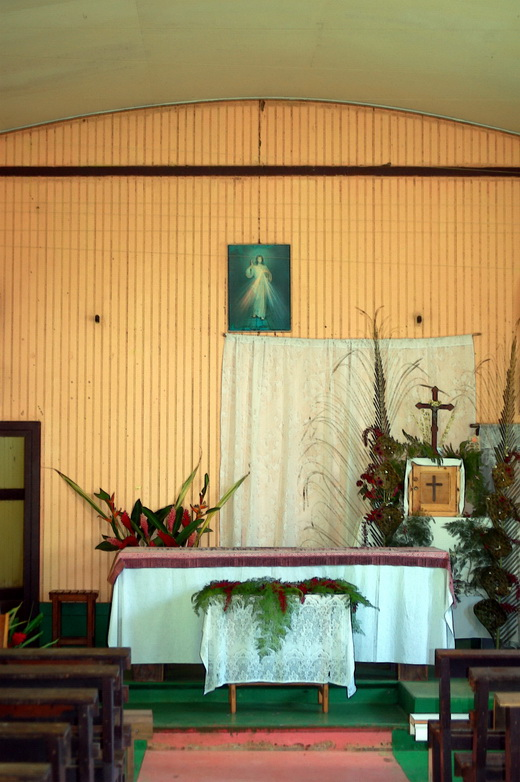 autel.1212560228.jpg